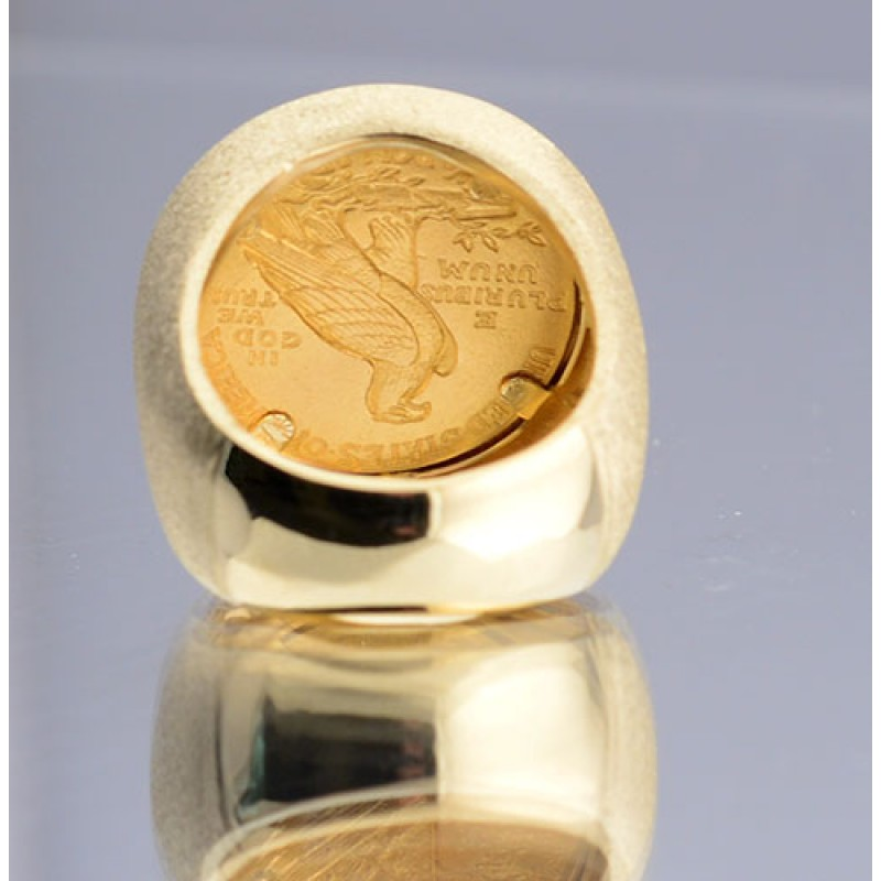 $2 1 2 Indian Head Gold Coin in Gents 14kt Gold Coin Ring